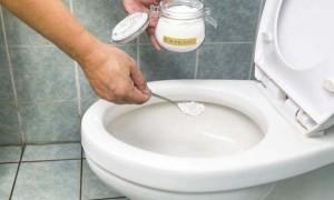 Как почистить унитаз: обзор средств от кока-колы до электролита