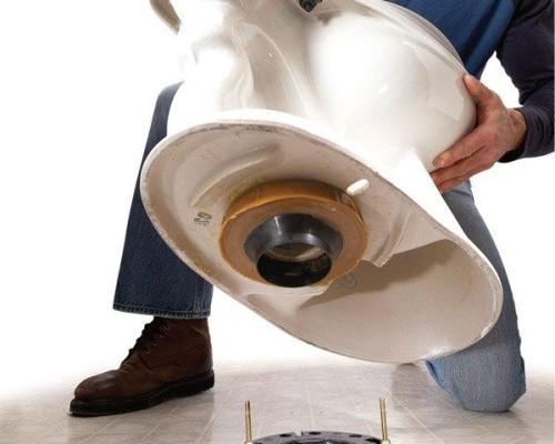 Крепление унитаза к полу: 3 способа — на дюбеля, клей, тафту