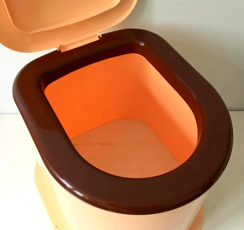 пластиковый дачный туалет